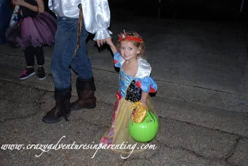 toddler snow white
