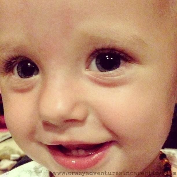 baby v's face