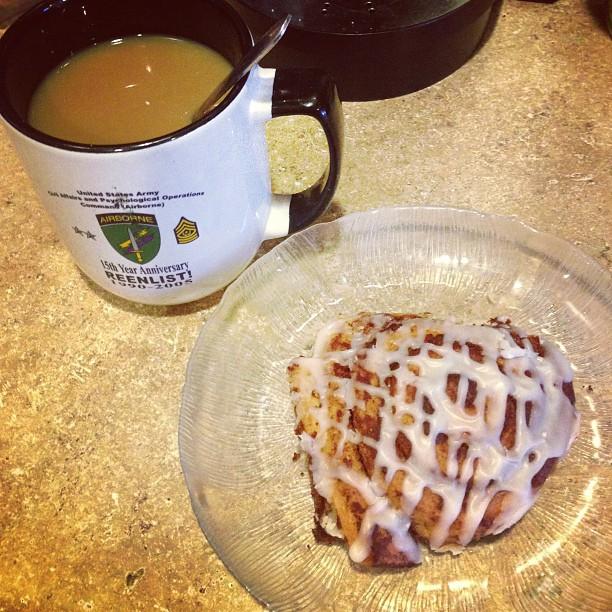 cinnamon roll coffee breakfast