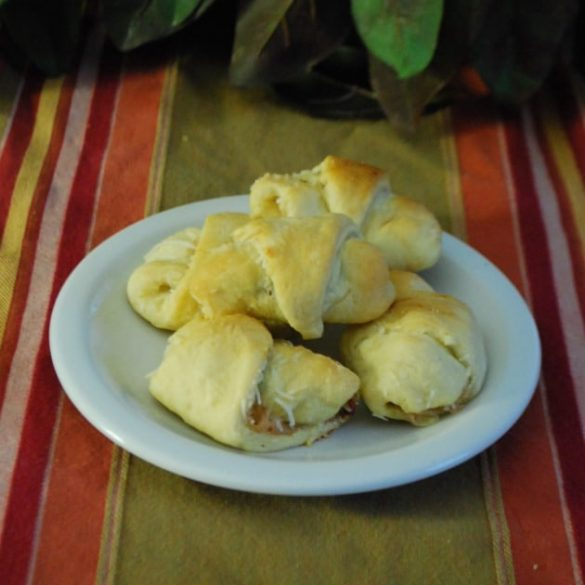 Kentucky Hot Brown Crescents