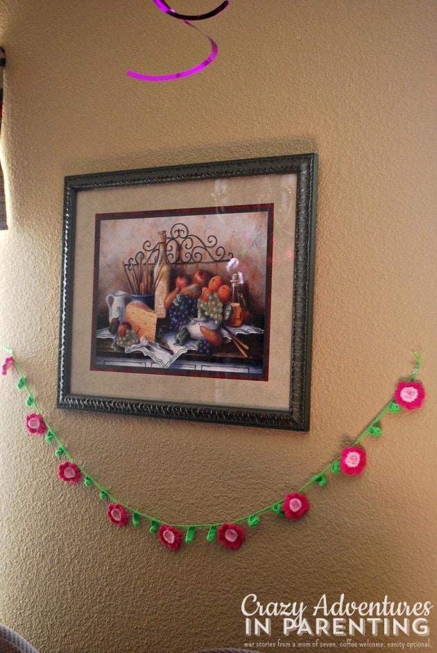 crocheted spring flower banner