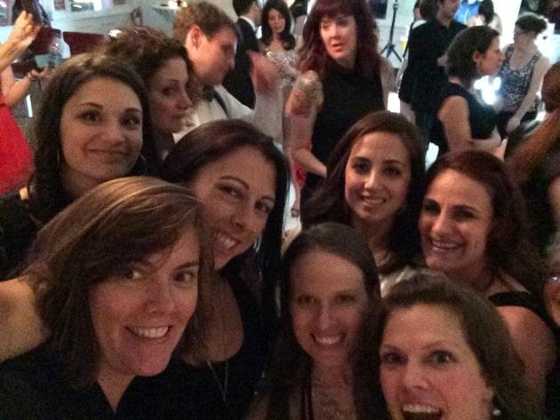 mom 2.0 group selfies
