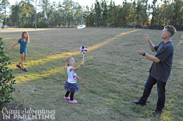 Frisbee girls