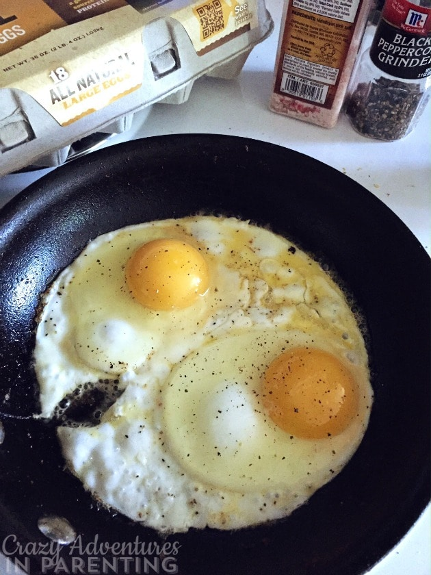 sunny side up eggs fried