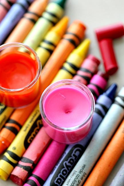 DIY crayon lipgloss