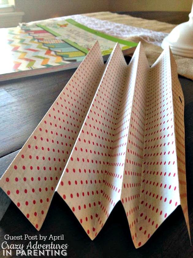 folding paper for rosettes