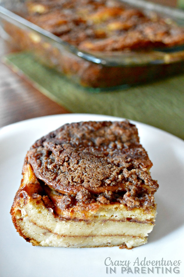 Cinnamon Roll Pancake Bake plated