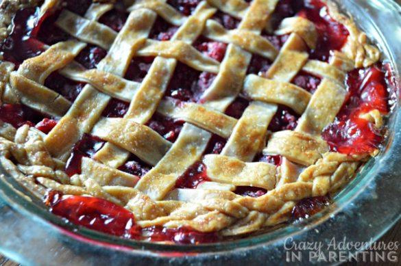 Easy raspberry pie recipe with sugar crust