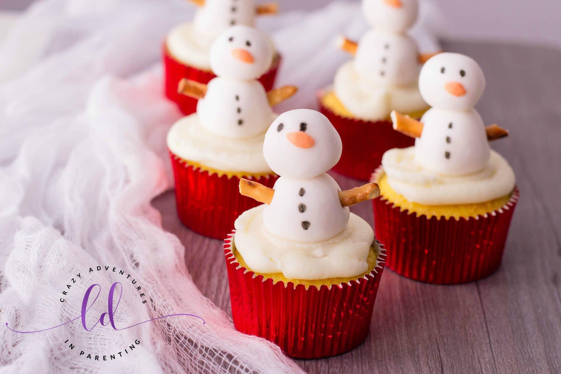 Easy Snowman Cupcakes