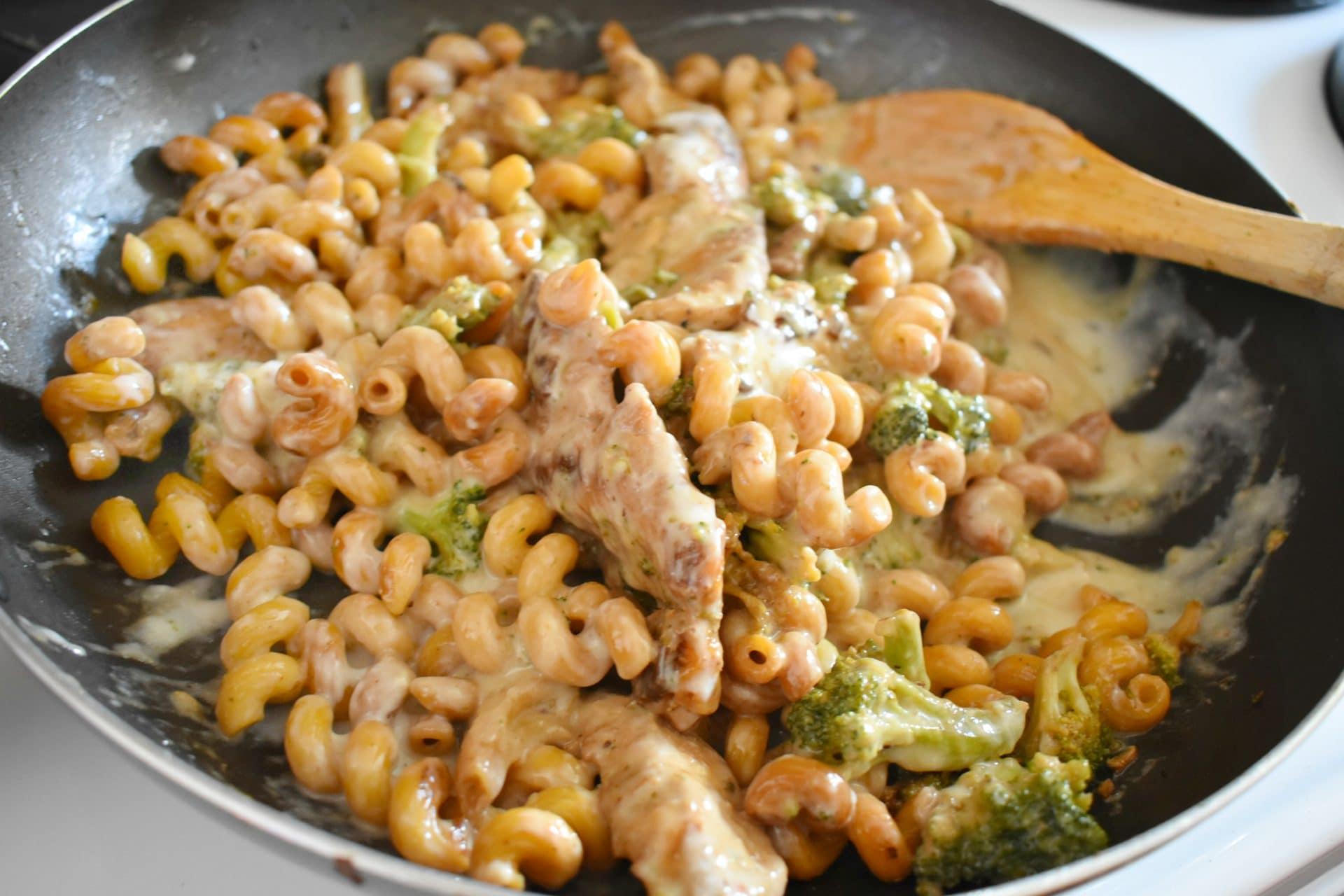 Ready to Serve Tyson Frozen Dinner Kit - Four Cheese Chicken & Broccoli Pasta