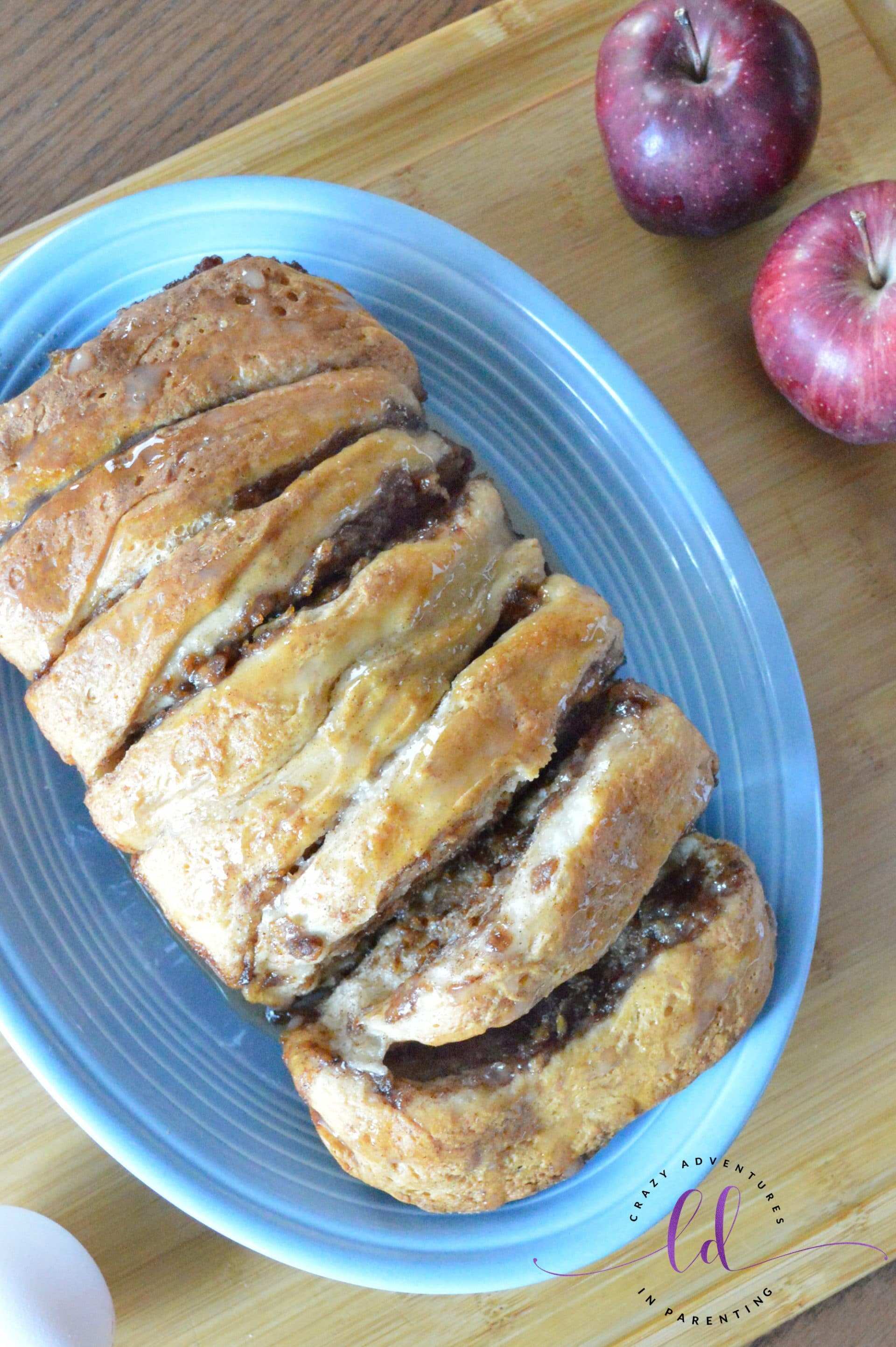 Apple Fritter Pull Apart Bread for Breakfast