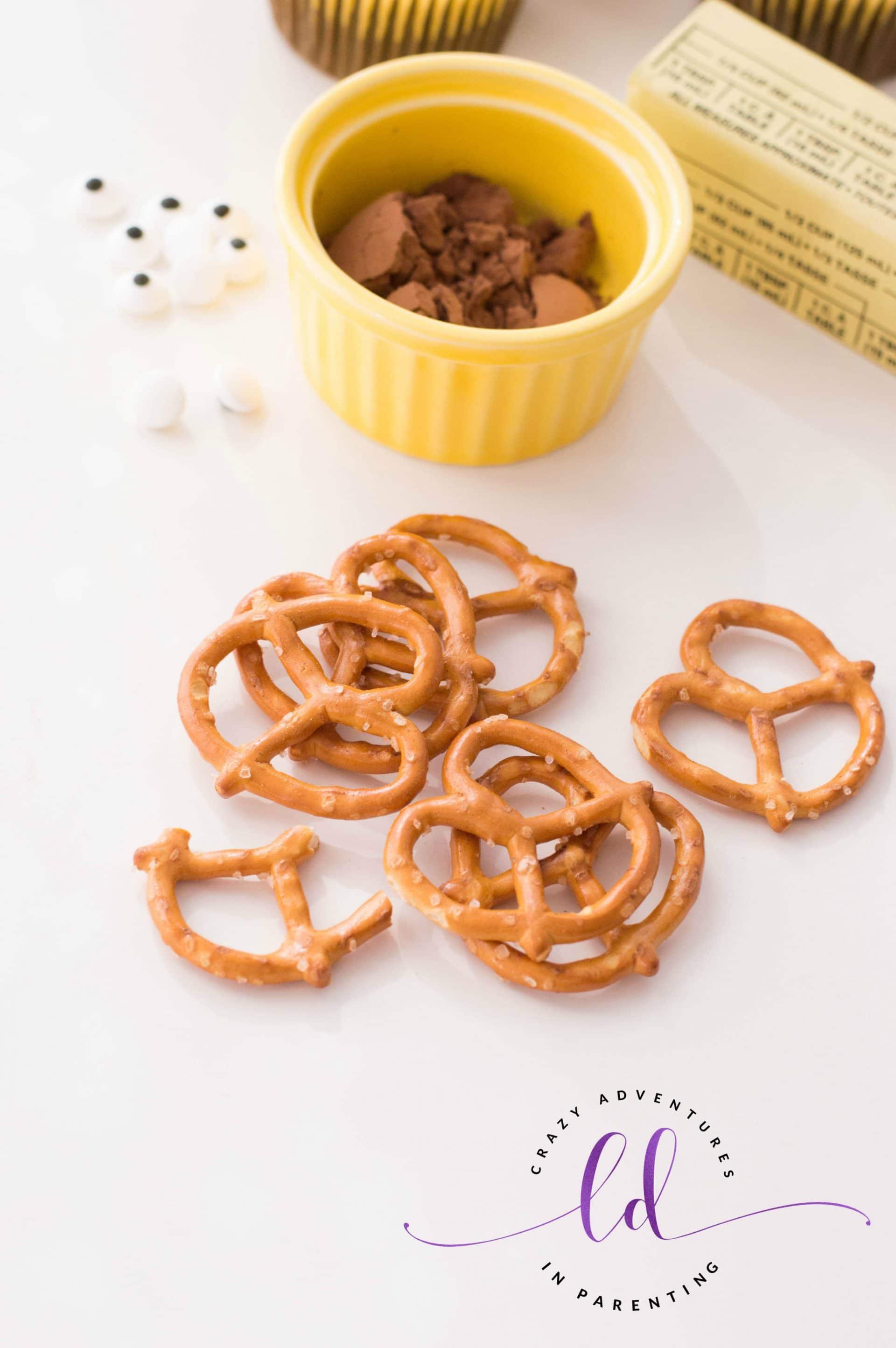 Pretzel Antlers for Reindeer Cupcakes