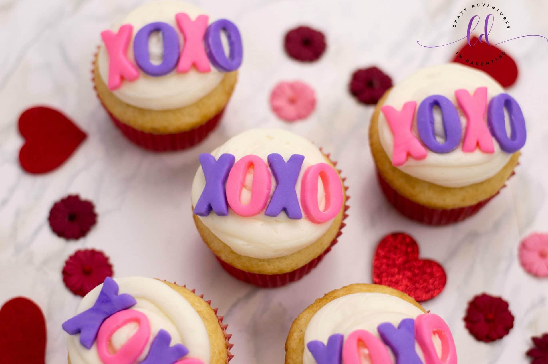 Easy XOXO Valentine's Cupcakes