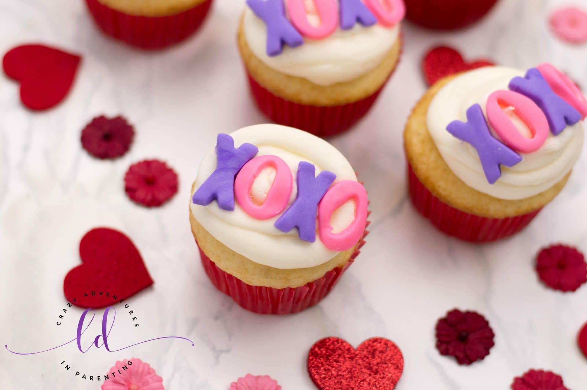 Valentine's Day XOXO Valentine's Cupcakes