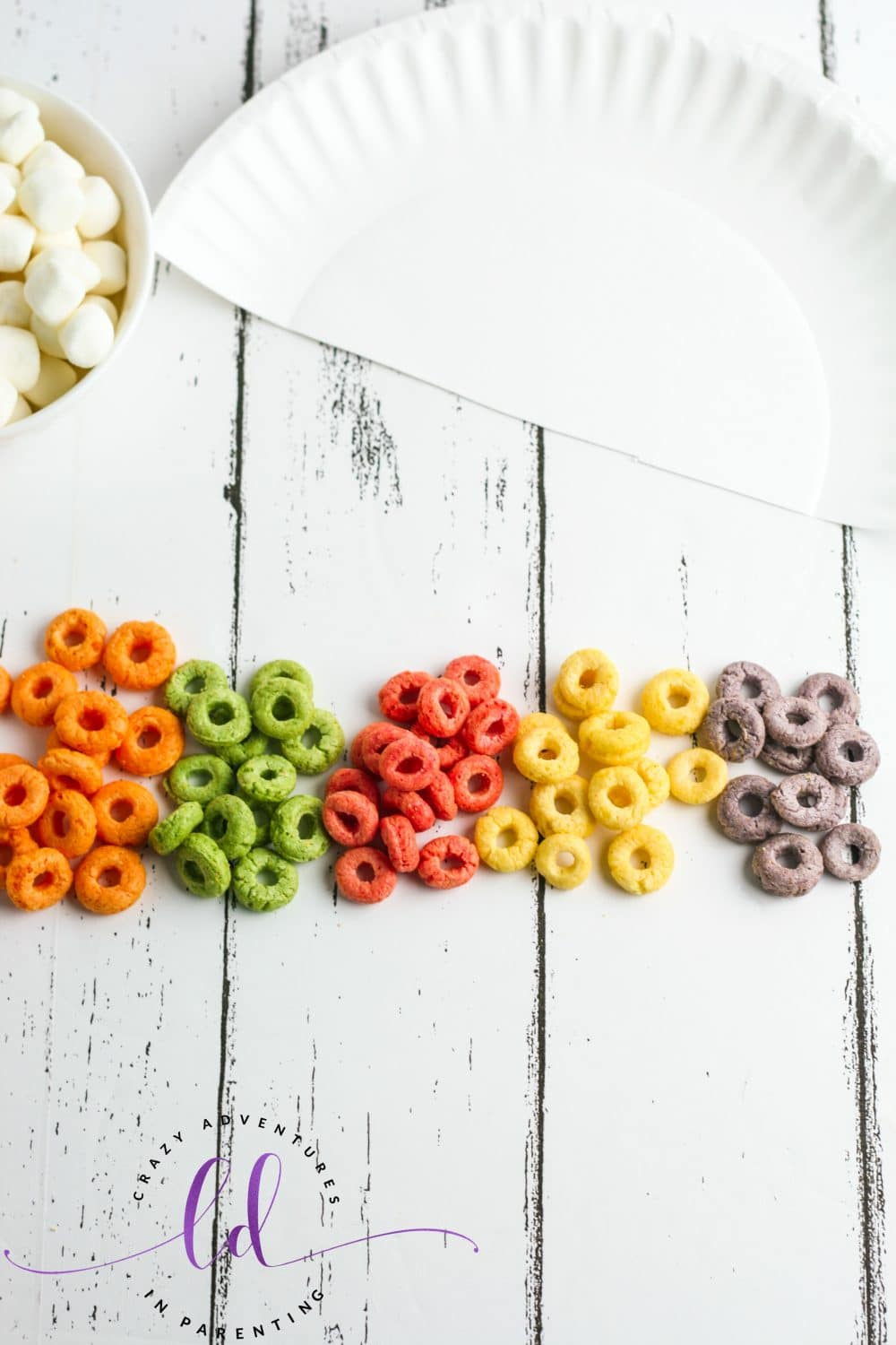 Separate Cereal into Colors for Cereal Rainbow Craft