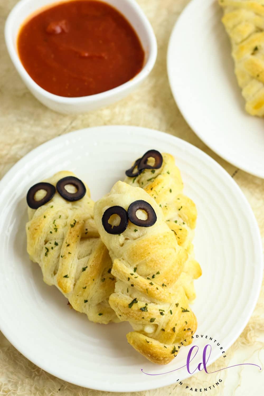 Cheesy Mummy Breadsticks Appetizer