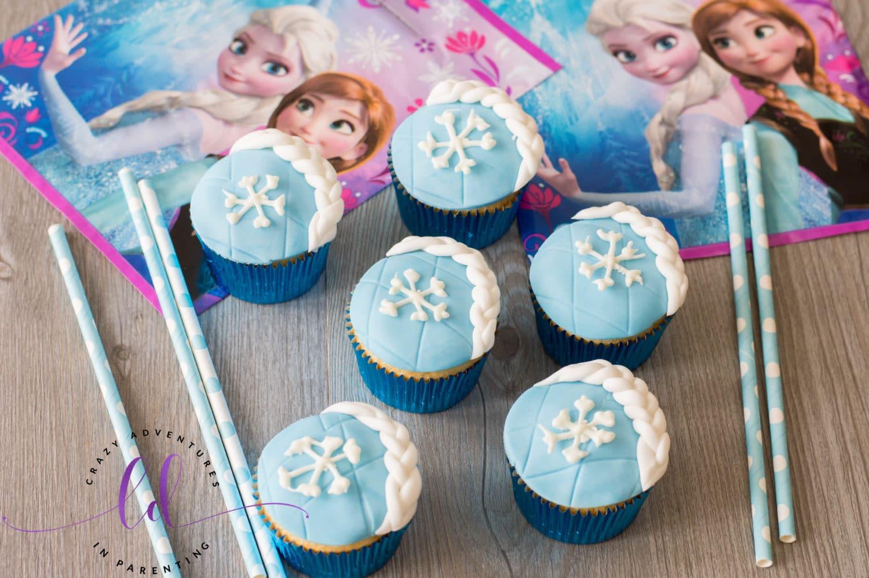Easy Elsa Frozen Cupcakes