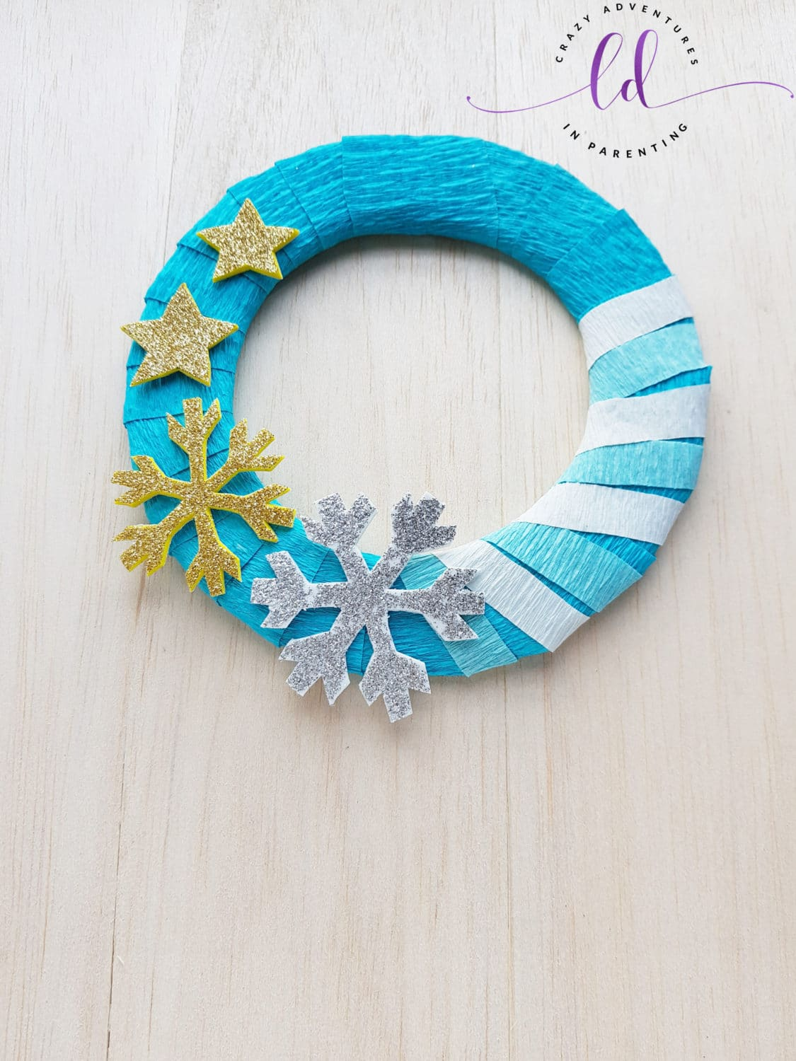 Easy To Make Frozen Wreath Craft Tutorial