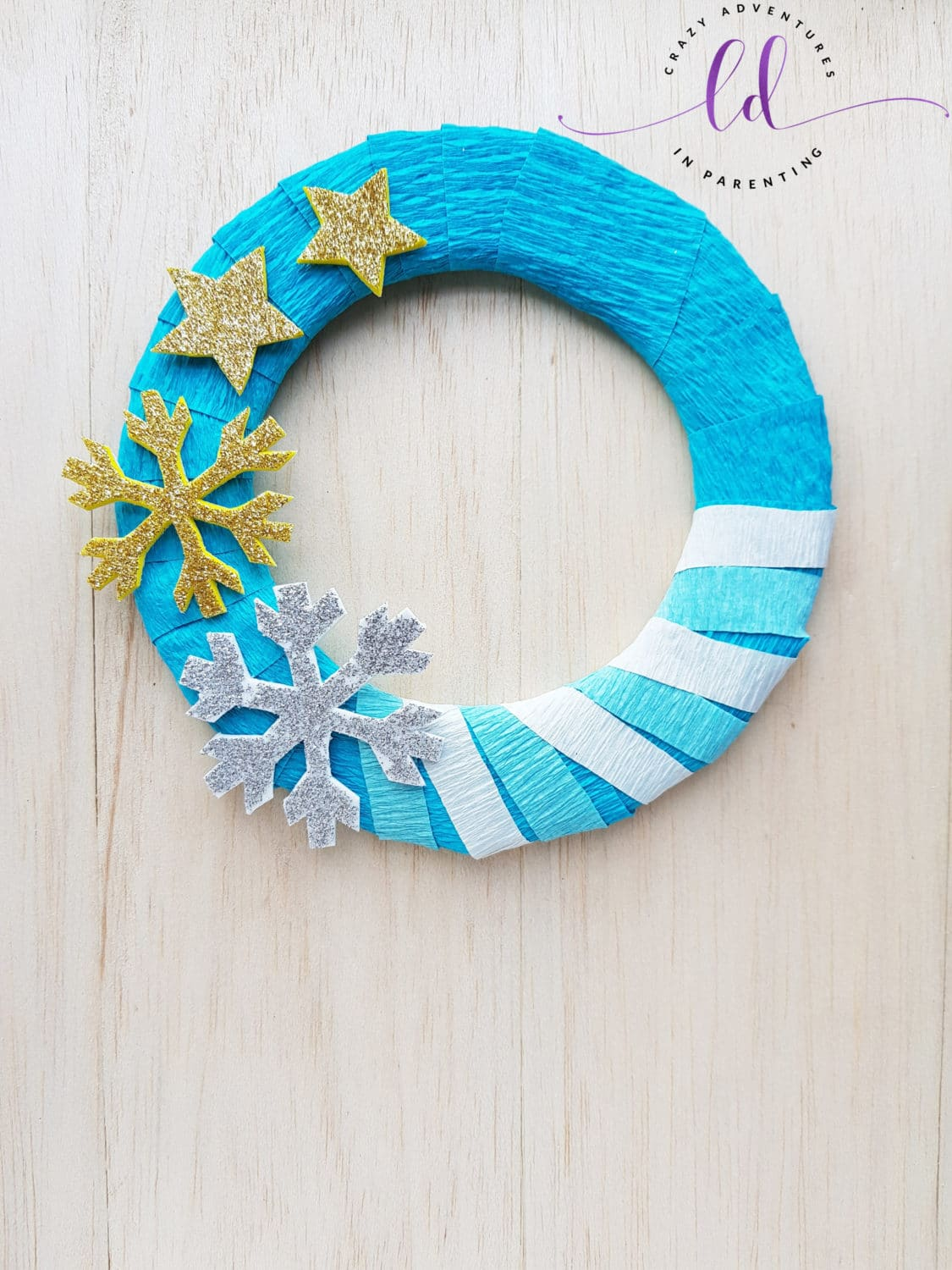 Super Easy Frozen Wreath Craft Tutorial for Kids